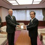 昨日、練馬区役所5階の区長室にて熊本地震への義援金を練馬区経由でお渡しさせて頂きました。